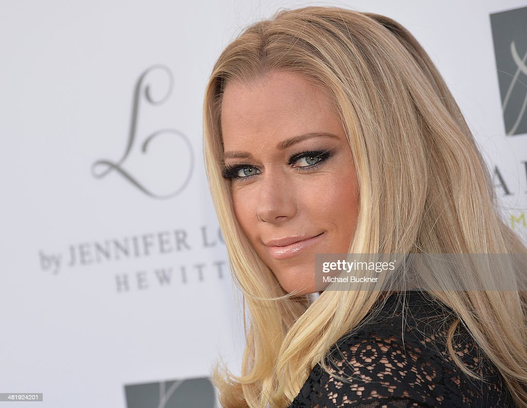 Actress <a gi-track='captionPersonalityLinkClicked' href=/galleries/search?phrase=Kendra+Wilkinson&family=editorial&specificpeople=539064 ng-click='$event.stopPropagation()'>Kendra Wilkinson</a> arrives at the Launches of Jennifer Love Hewitt's new maternity line, 'L by Jennifer Love Hewitt' at A Pea In The Pod on April 1, 2014 in Beverly Hills, California.