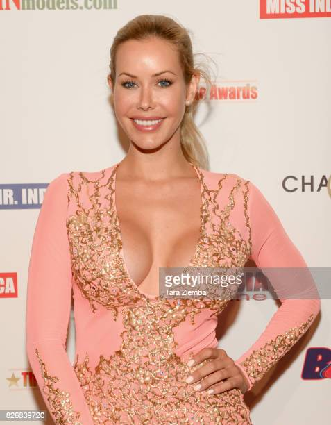 Actress Kennedy Summers attends the Elite Awards ceremony charity gala for Jagriti at Renaissance Los Angeles Airport Hotel on August 5 2017 in Los...