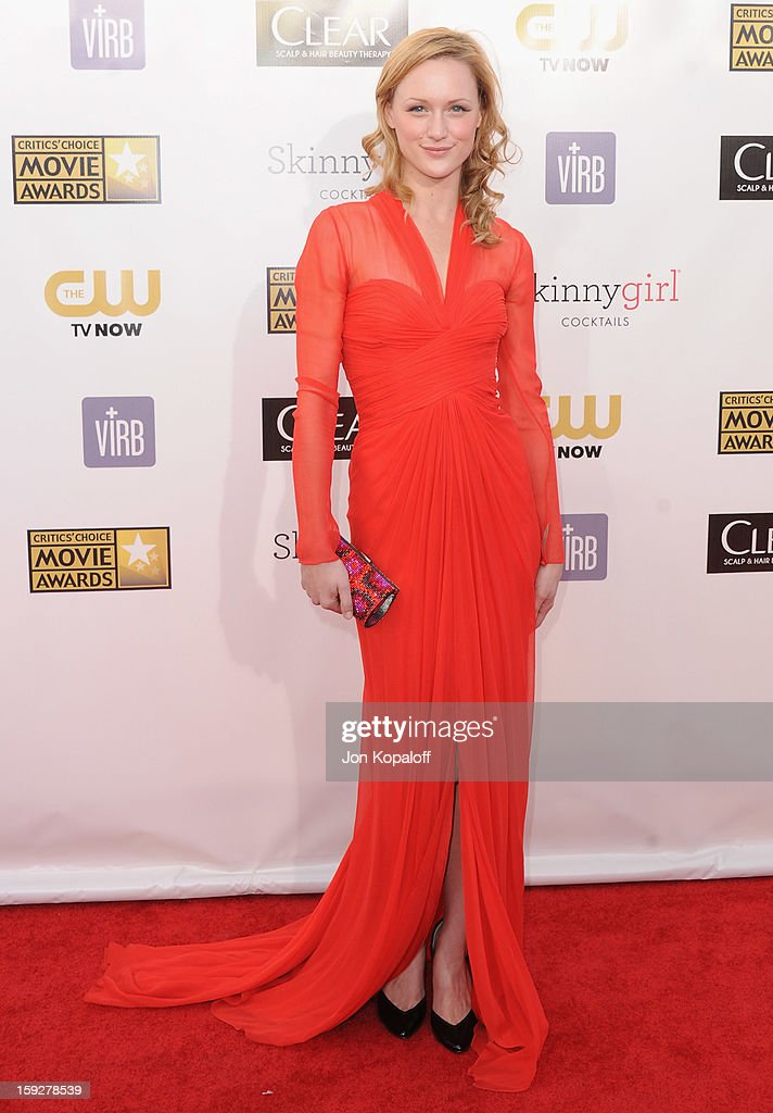Actress Kerry Bishe arrives at the 18th Annual Critics' Choice Movie Awards at Barker Hangar on January 10, 2013 in Santa Monica, California.