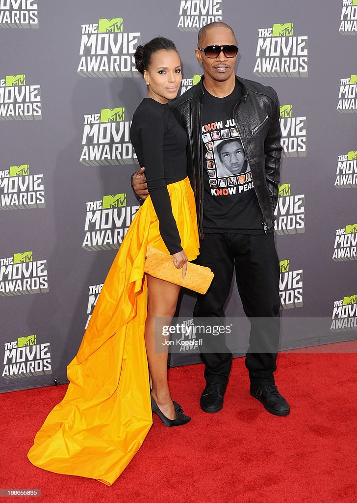 Actress Kerry Washington and actor Jamie Foxx arrive at the 2013 MTV Movie Awards at Sony Pictures Studios on April 14, 2013 in Culver City, California.