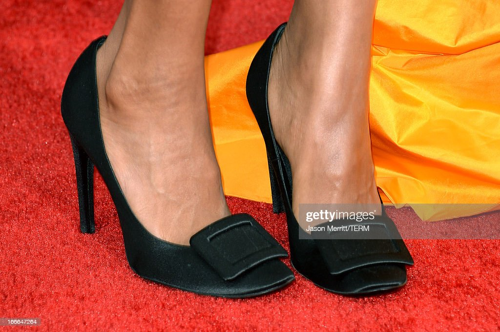 Actress Kerry Washington (detail) arrives at the 2013 MTV Movie Awards at Sony Pictures Studios on April 14, 2013 in Culver City, California.