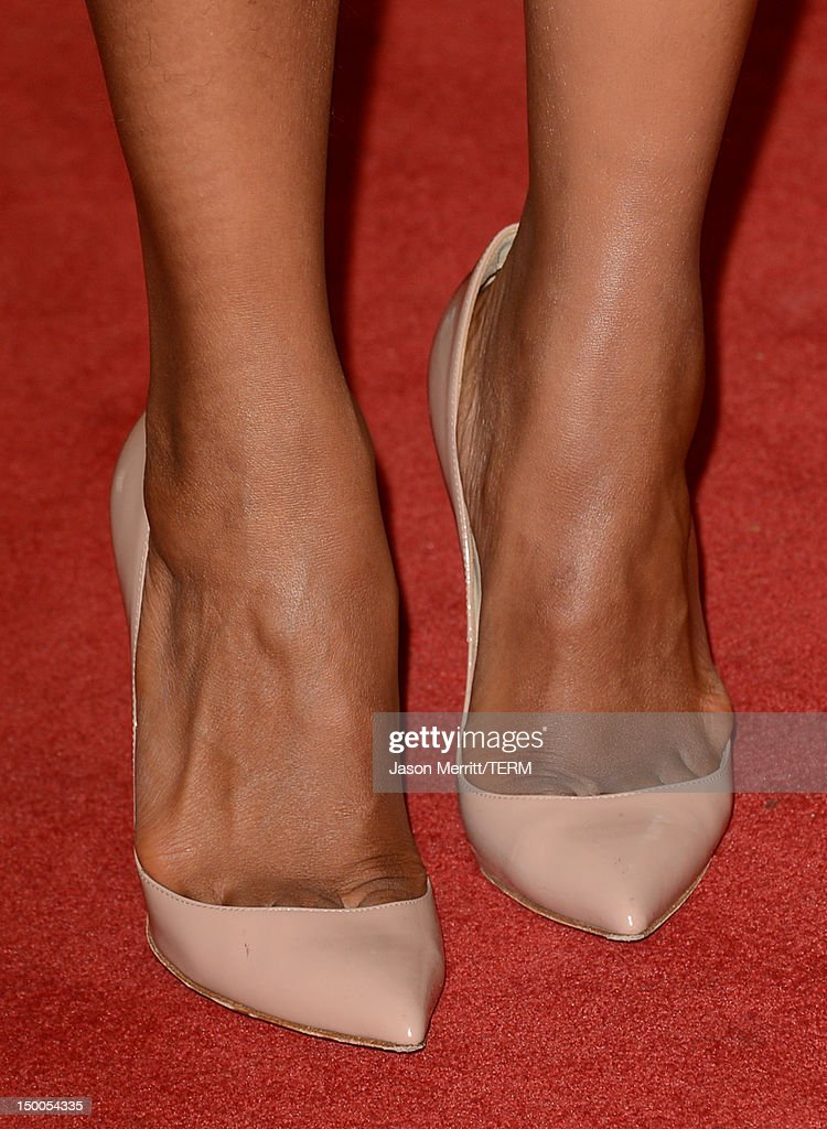 Actress Kerry Washington (fashion detail) arrives at the Hollywood Foreign Press Association's 2012 Installation Luncheon held at the Beverly Hills Hotel on August 9, 2012 in Beverly Hills, California.
