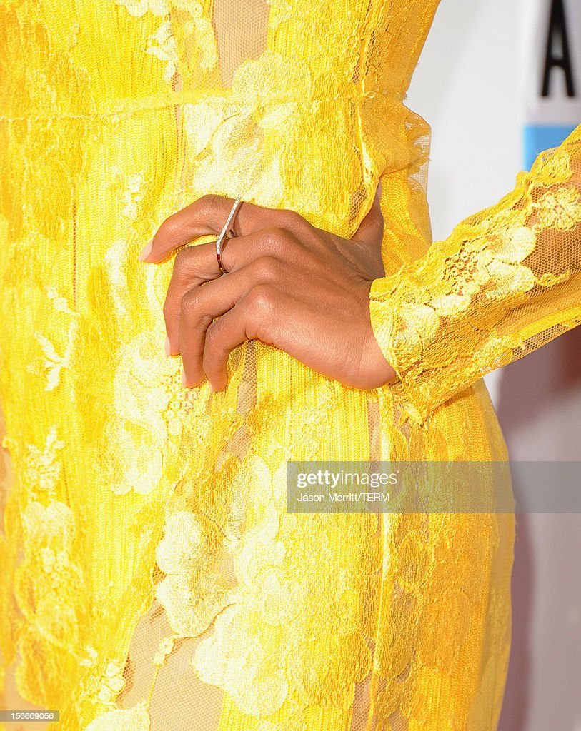 Actress Kerry Washington (jewelry detail) attends the 40th American Music Awards held at Nokia Theatre L.A. Live on November 18, 2012 in Los Angeles, California.