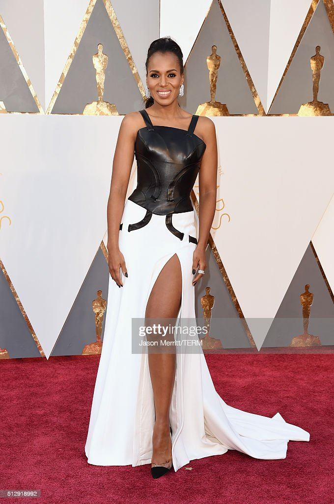 Actress <a gi-track='captionPersonalityLinkClicked' href=/galleries/search?phrase=Kerry+Washington&family=editorial&specificpeople=201534 ng-click='$event.stopPropagation()'>Kerry Washington</a> attends the 88th Annual Academy Awards at Hollywood & Highland Center on February 28, 2016 in Hollywood, California.