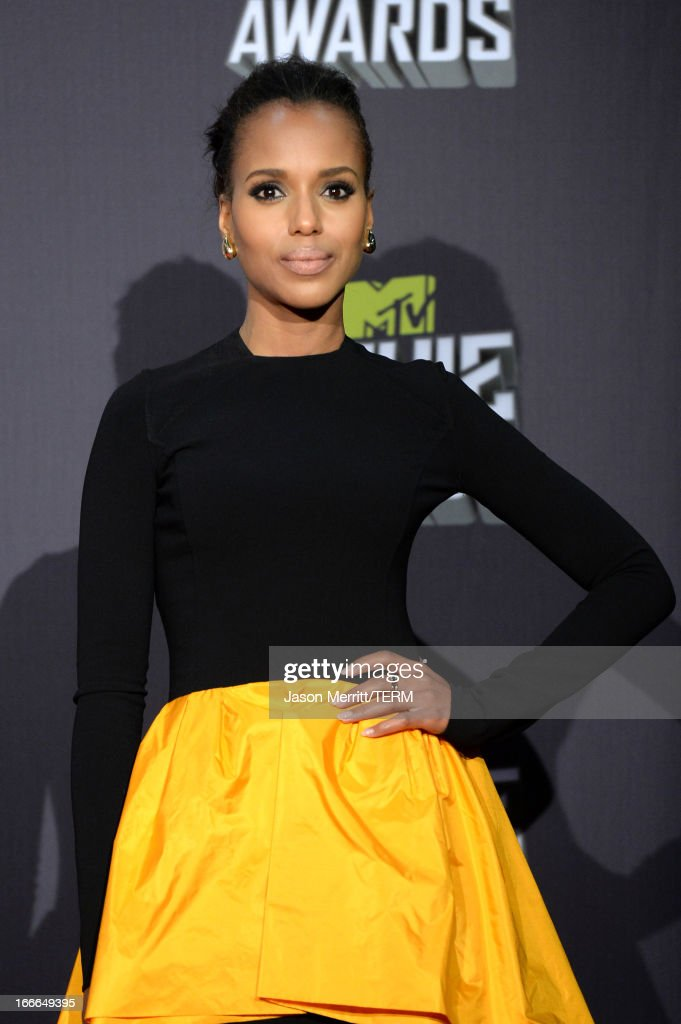 Actress <a gi-track='captionPersonalityLinkClicked' href=/galleries/search?phrase=Kerry+Washington&family=editorial&specificpeople=201534 ng-click='$event.stopPropagation()'>Kerry Washington</a> poses in the press room during the 2013 MTV Movie Awards at Sony Pictures Studios on April 14, 2013 in Culver City, California.