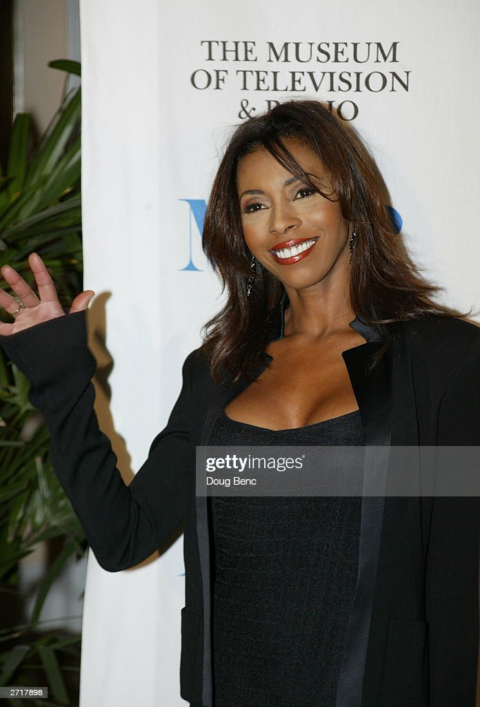 Actress Khandi Alexander of 'CSI Miami' before the Museum of Television & Radio's Annual Los Angeles Gala on November 10, 2003 at the Beverly Hills Hotel in Beverly Hills, California.