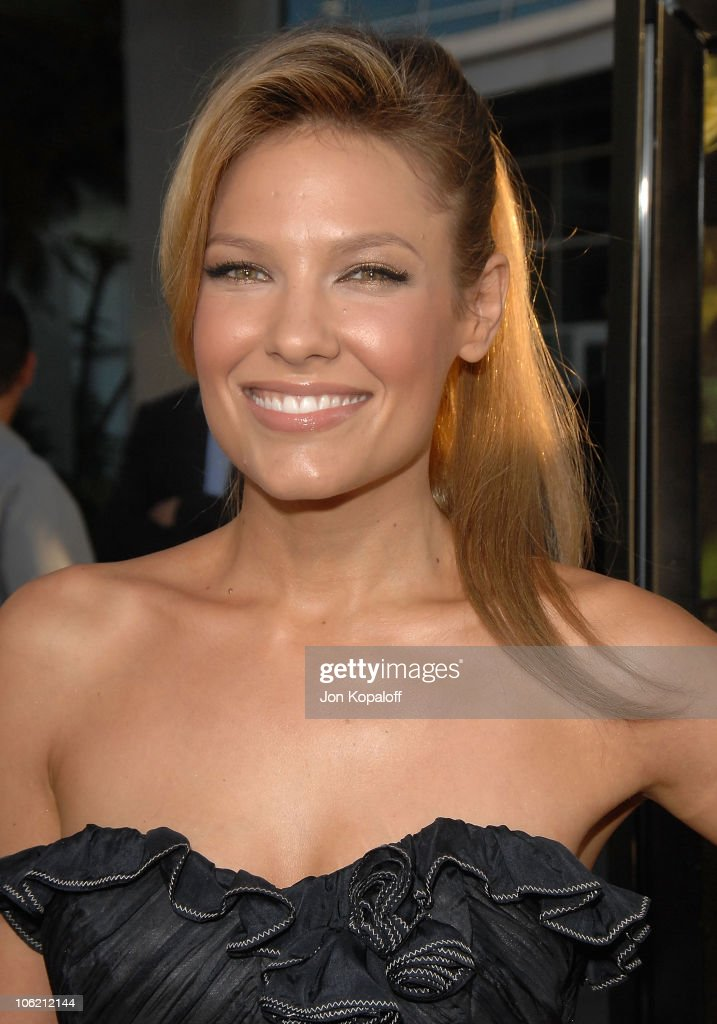 Actress Kiele Sanchez arrives at the Los Angeles Premiere 'A Perfect Getaway' at ArcLight Cinemas Cinerama Dome on August 5 2009 in Hollywood...