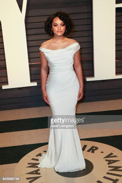Actress Kiersey Clemons attends the 2017 Vanity Fair Oscar Party hosted by Graydon Carter at the Wallis Annenberg Center for the Performing Arts on...