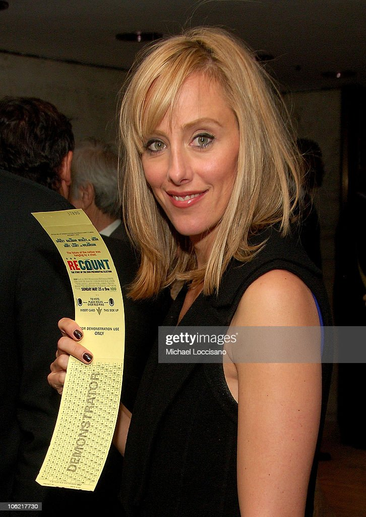Actress <a gi-track='captionPersonalityLinkClicked' href=/galleries/search?phrase=Kim+Raver&family=editorial&specificpeople=213709 ng-click='$event.stopPropagation()'>Kim Raver</a> casts a ballot at the after party for the New York premiere of HBO Films' 'Recount', at The Four Seasons Restaurant in New York City on May 13, 2008.