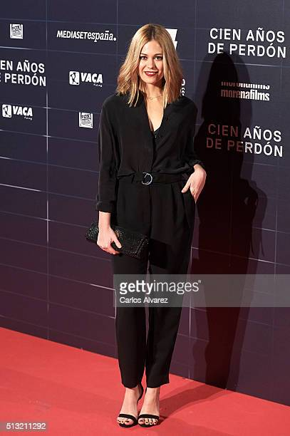 Actress Kimberley Tell attends the 'Cien Anos de Perdon' premiere at the Capitol cinema on March 1 2016 in Madrid Spain