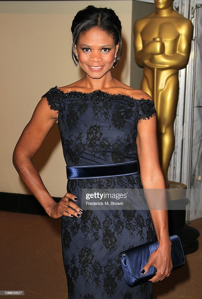 Actress <a gi-track='captionPersonalityLinkClicked' href=/galleries/search?phrase=Kimberly+Elise&family=editorial&specificpeople=211117 ng-click='$event.stopPropagation()'>Kimberly Elise</a> attends the Academy of Motion Picture Arts and Sciences' second annual Governors Awards at the Grand Ballroom, Hollywood and Highland on November 13, 2010 in Los Angeles, California.