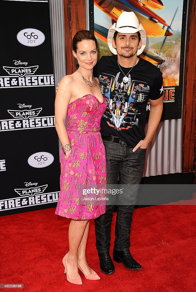 Actress <a gi-track='captionPersonalityLinkClicked' href=/galleries/search?phrase=Kimberly+Williams-Paisley&family=editorial&specificpeople=208903 ng-click='$event.stopPropagation()'>Kimberly Williams-Paisley</a> and actor <a gi-track='captionPersonalityLinkClicked' href=/galleries/search?phrase=Brad+Paisley&family=editorial&specificpeople=206616 ng-click='$event.stopPropagation()'>Brad Paisley</a> attend the premiere of 'Planes: Fire & Rescue' at the El Capitan Theatre on July 15, 2014 in Hollywood, California.