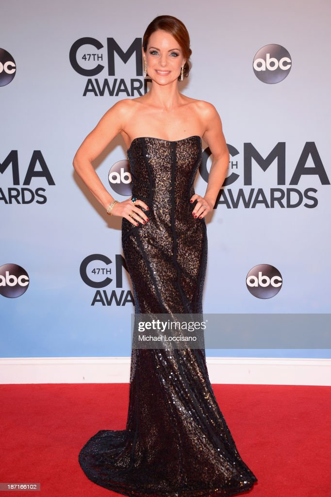 Actress <a gi-track='captionPersonalityLinkClicked' href=/galleries/search?phrase=Kimberly+Williams-Paisley&family=editorial&specificpeople=208903 ng-click='$event.stopPropagation()'>Kimberly Williams-Paisley</a> attends the 47th annual CMA Awards at the Bridgestone Arena on November 6, 2013 in Nashville, Tennessee.