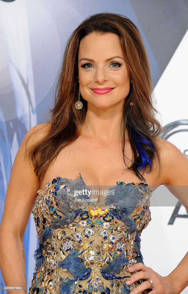 Actress <a gi-track='captionPersonalityLinkClicked' href=/galleries/search?phrase=Kimberly+Williams-Paisley&family=editorial&specificpeople=208903 ng-click='$event.stopPropagation()'>Kimberly Williams-Paisley</a> attends the 49th annual CMA Awards at the Bridgestone Arena on November 4, 2015 in Nashville, Tennessee.