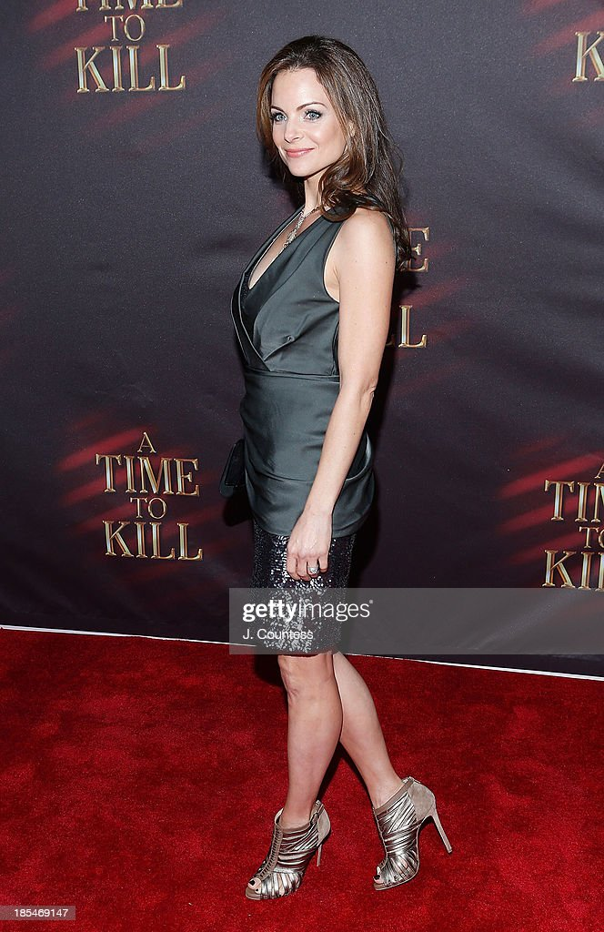 Actress <a gi-track='captionPersonalityLinkClicked' href=/galleries/search?phrase=Kimberly+Williams-Paisley&family=editorial&specificpeople=208903 ng-click='$event.stopPropagation()'>Kimberly Williams-Paisley</a> attends the Broadway opening night of 'A Time To Kill' at The Golden Theatre on October 20, 2013 in New York City.