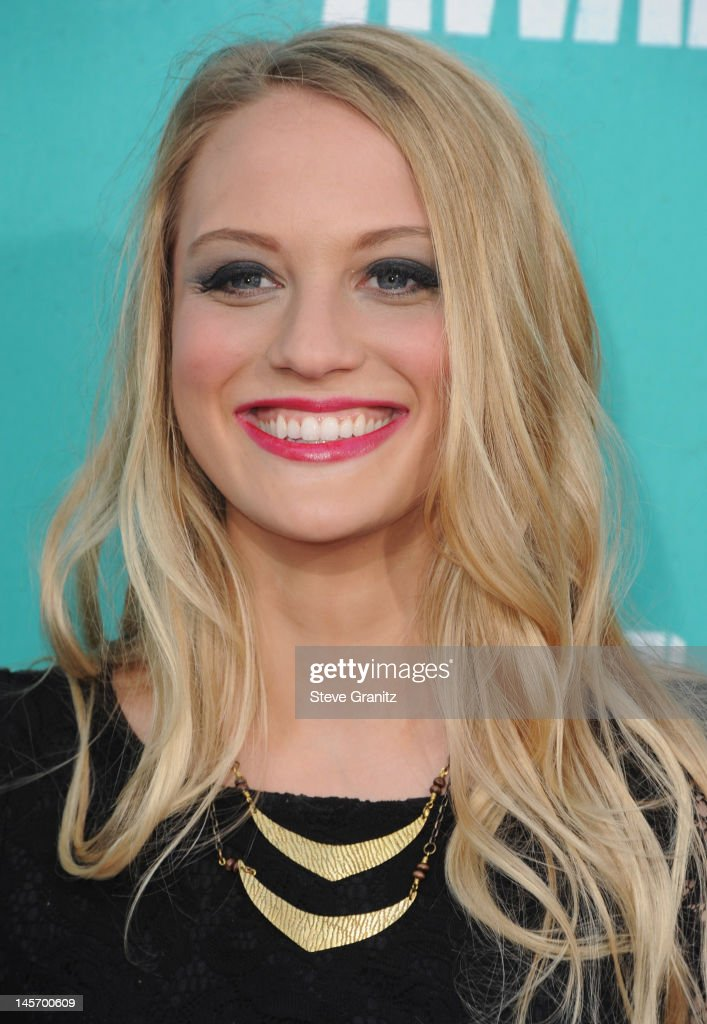 Actress Kirby Bliss arrives at the 2012 MTV Movie Awards at Gibson Amphitheatre on June 3, 2012 in Universal City, California.