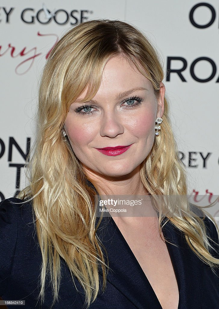 Actress <a gi-track='captionPersonalityLinkClicked' href=/galleries/search?phrase=Kirsten+Dunst&family=editorial&specificpeople=171590 ng-click='$event.stopPropagation()'>Kirsten Dunst</a> attends 'On The Road' New York Premiere at SVA Theater on December 13, 2012 in New York City.
