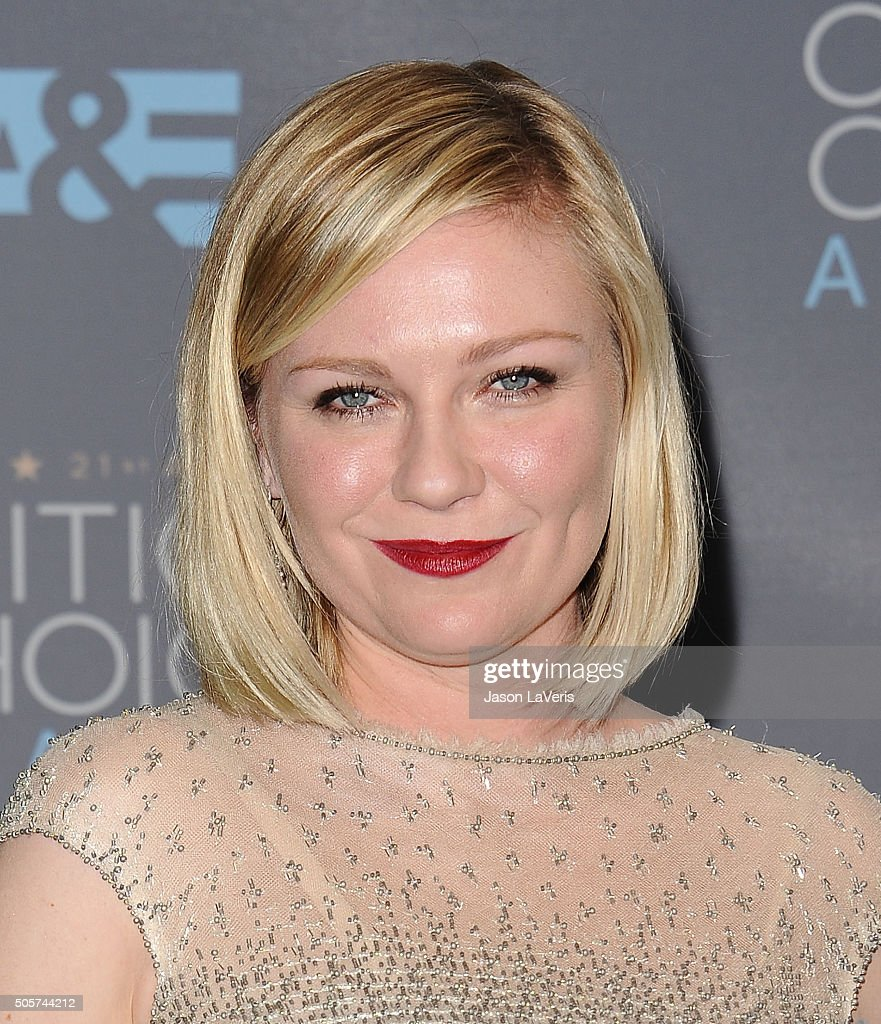 Actress Kirsten Dunst poses in the press room at the 21st annual Critics' Choice Awards at Barker Hangar on January 17, 2016 in Santa Monica, California.