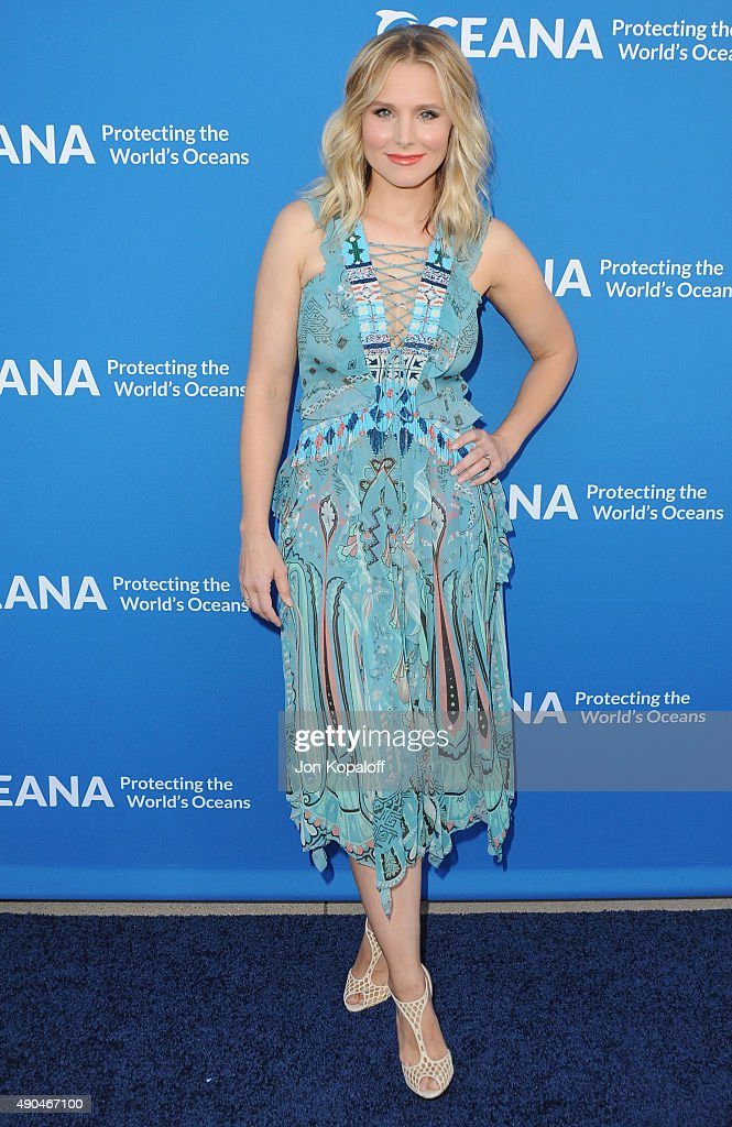 Actress Kristen Bell arrives at A Concert For Our Oceans at Wallis Annenberg Center for the Performing Arts on September 28 2015 in Beverly Hills...