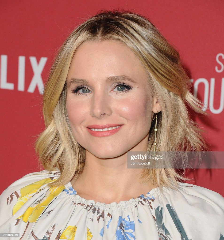 Actress Kristen Bell arrives at SAG-AFTRA Foundation Patron of the Artists Awards 2017 on November 9, 2017 in Beverly Hills, California.