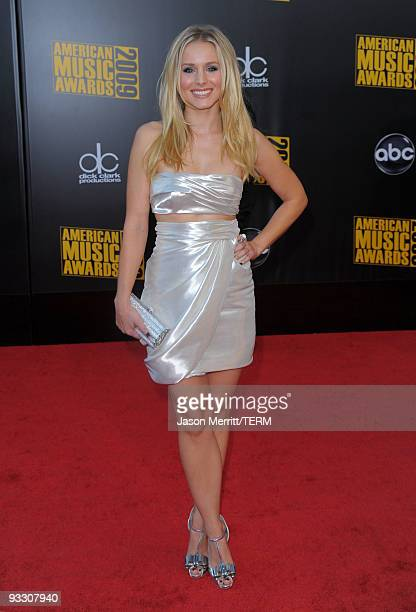 Actress Kristen Bell arrives at the 2009 American Music Awards at Nokia Theatre LA Live on November 22 2009 in Los Angeles California