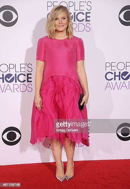 Actress Kristen Bell arrives at The 41st Annual People's Choice Awards at Nokia Theatre LA Live on January 7 2015 in Los Angeles California