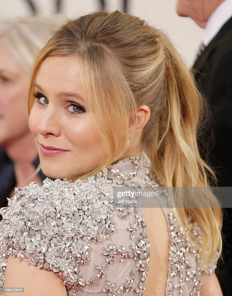 Actress <a gi-track='captionPersonalityLinkClicked' href=/galleries/search?phrase=Kristen+Bell&family=editorial&specificpeople=194764 ng-click='$event.stopPropagation()'>Kristen Bell</a> arrives at the 70th Annual Golden Globe Awards held at The Beverly Hilton Hotel on January 13, 2013 in Beverly Hills, California.