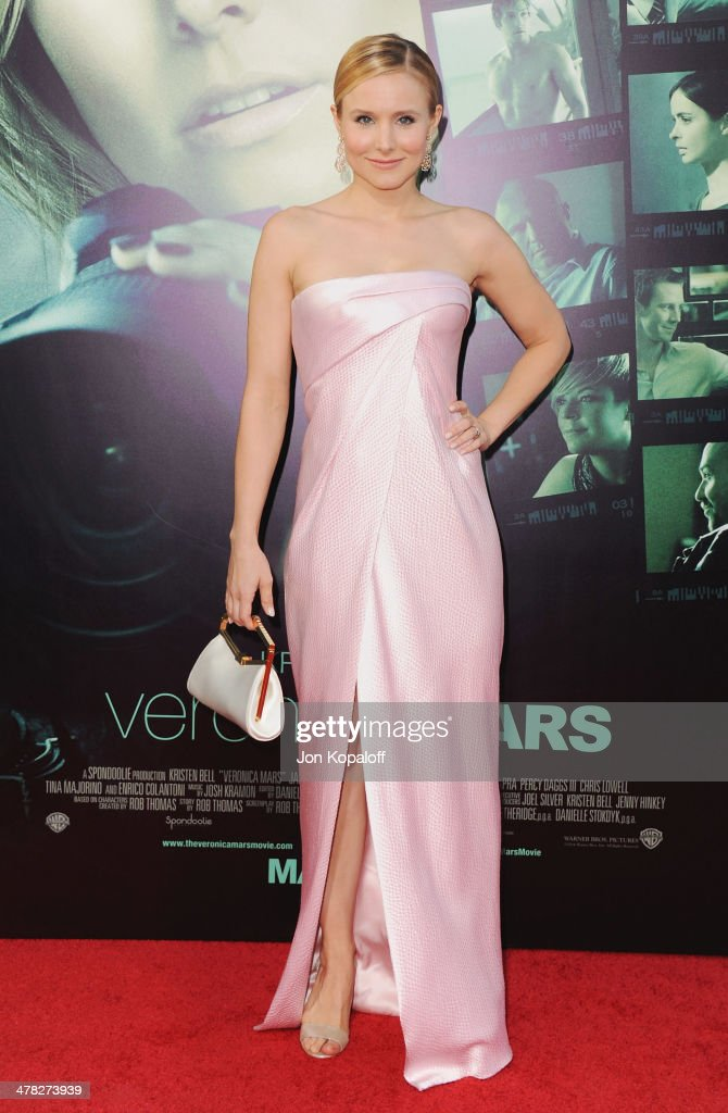 Actress <a gi-track='captionPersonalityLinkClicked' href=/galleries/search?phrase=Kristen+Bell&family=editorial&specificpeople=194764 ng-click='$event.stopPropagation()'>Kristen Bell</a> arrives at the Los Angeles premiere 'Veronica Mars' at TCL Chinese Theatre on March 12, 2014 in Hollywood, California.