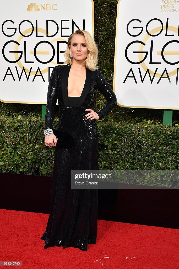 Actress Kristen Bell attends the 74th Annual Golden Globe Awards at The Beverly Hilton Hotel on January 8, 2017 in Beverly Hills, California.