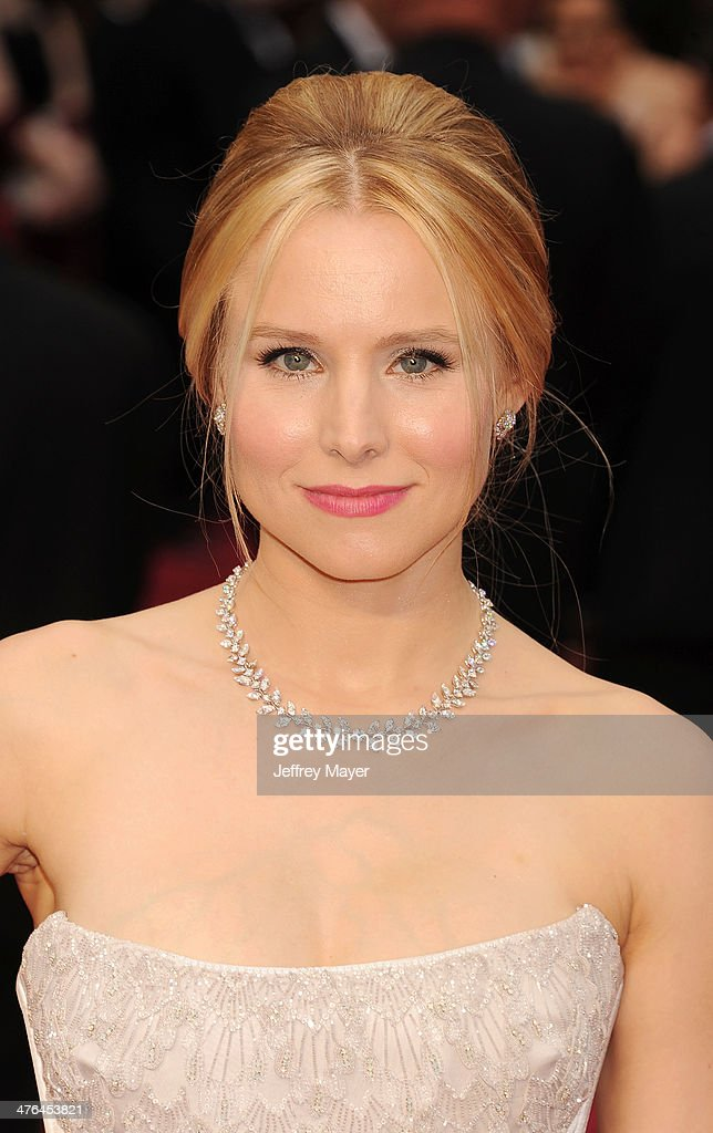 Actress Kristen Bell attends the 86th Annual Academy Awards held at Hollywood & Highland Center on March 2, 2014 in Hollywood, California.