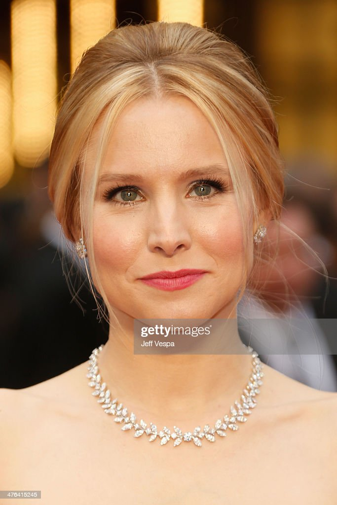 Actress Kristen Bell attends the 86th Oscars held at Hollywood & Highland Center on March 2, 2014 in Hollywood, California.