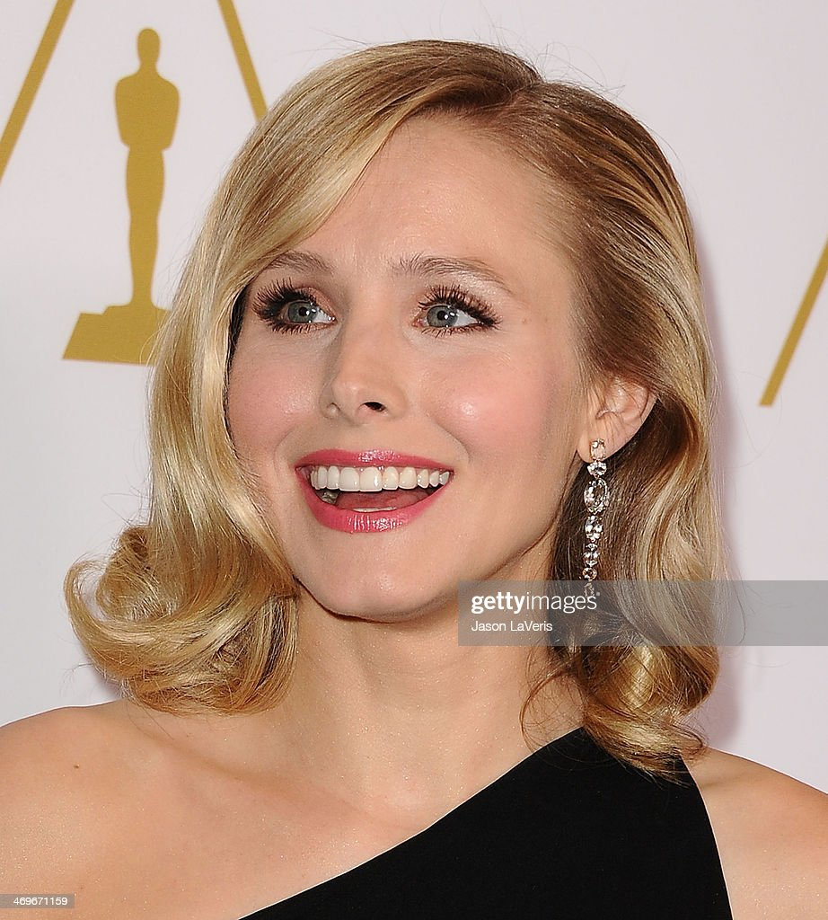 Actress <a gi-track='captionPersonalityLinkClicked' href=/galleries/search?phrase=Kristen+Bell&family=editorial&specificpeople=194764 ng-click='$event.stopPropagation()'>Kristen Bell</a> attends the Academy of Motion Picture Arts and Sciences' Scientific and Technical Awards ceremony at Beverly Hills Hotel on February 15, 2014 in Beverly Hills, California.