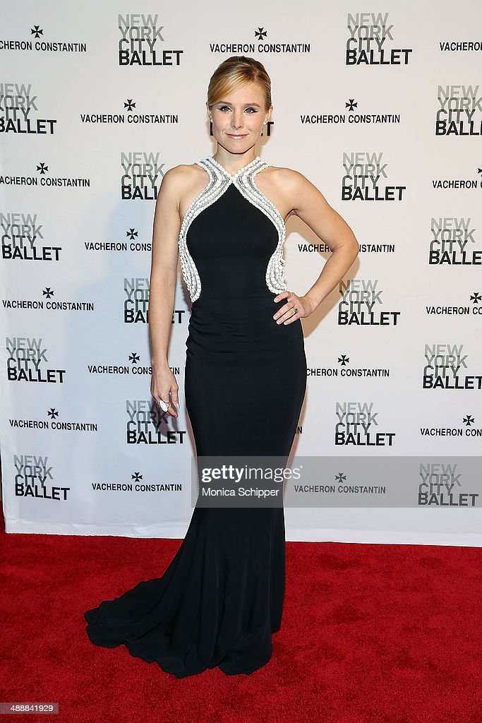 Actress <a gi-track='captionPersonalityLinkClicked' href=/galleries/search?phrase=Kristen+Bell&family=editorial&specificpeople=194764 ng-click='$event.stopPropagation()'>Kristen Bell</a> attends the New York City Ballet 2014 Spring Gala at David H. Koch Theater, Lincoln Center on May 8, 2014 in New York City.