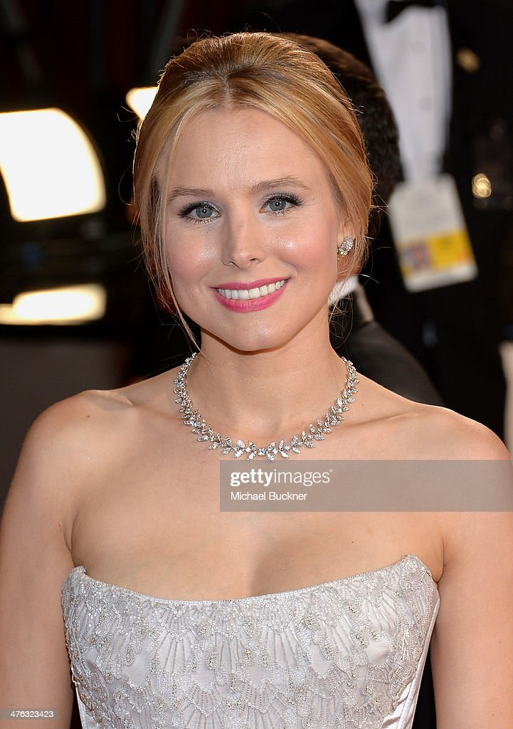 Actress Kristen Bell attends the Oscars held at Hollywood & Highland Center on March 2, 2014 in Hollywood, California.