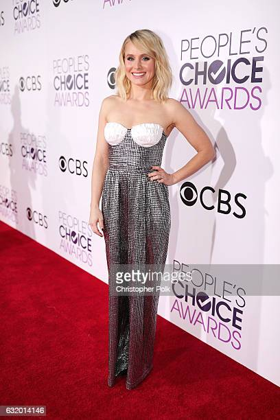 Actress Kristen Bell attends the People's Choice Awards 2017 at Microsoft Theater on January 18 2017 in Los Angeles California