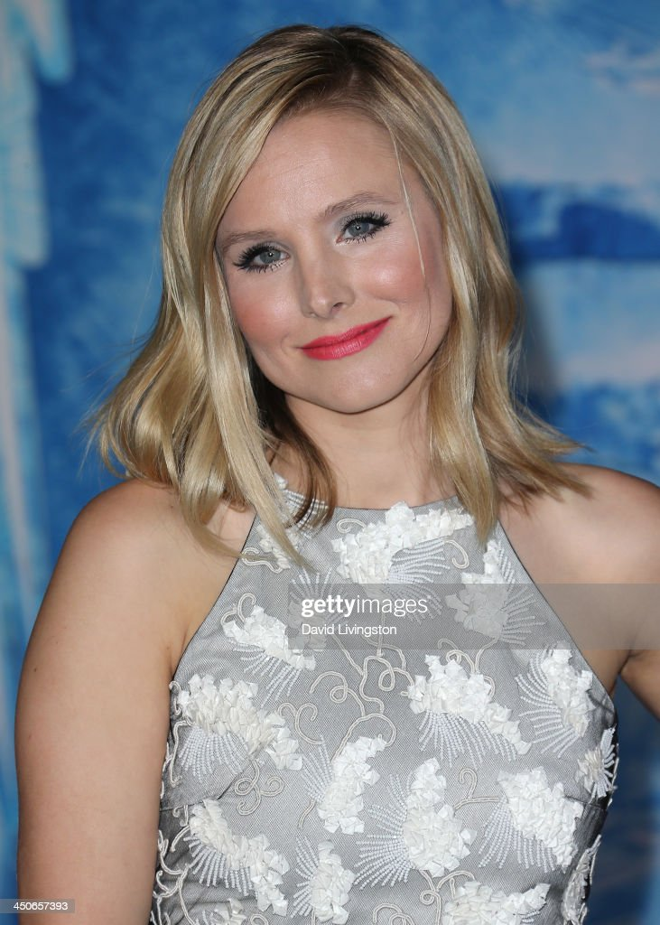Actress <a gi-track='captionPersonalityLinkClicked' href=/galleries/search?phrase=Kristen+Bell&family=editorial&specificpeople=194764 ng-click='$event.stopPropagation()'>Kristen Bell</a> attends the premiere of Walt Disney Animation Studios' 'Frozen' at the El Capitan Theatre on November 19, 2013 in Hollywood, California.