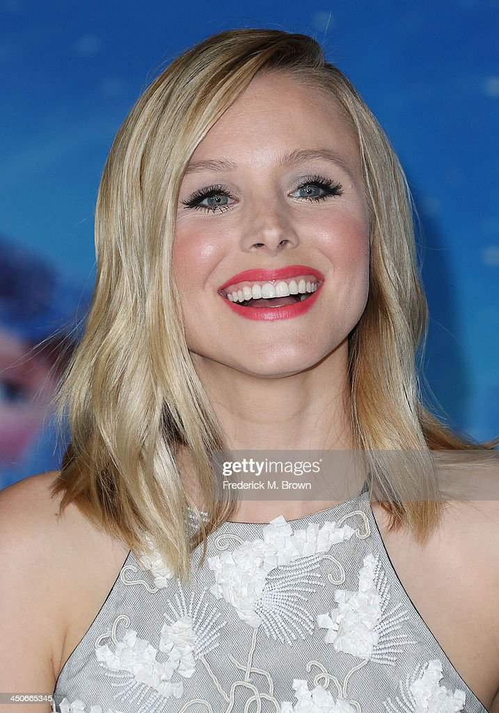 Actress Kristen Bell attends the Premiere of Walt Disney Animation Studios' 'Frozen' at the El Capitan Theatre on November 19, 2013 in Hollywood, California.