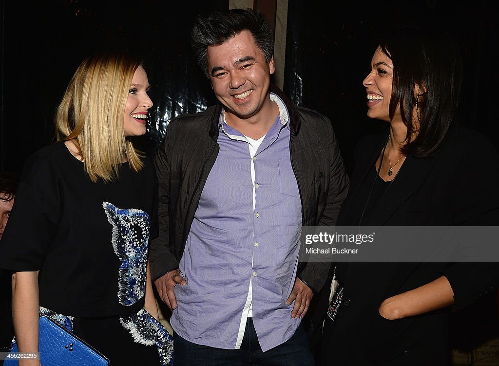 Actress <a gi-track='captionPersonalityLinkClicked' href=/galleries/search?phrase=Kristen+Bell&family=editorial&specificpeople=194764 ng-click='$event.stopPropagation()'>Kristen Bell</a>,President of Kabam Studios Andrew Sheppard and actress <a gi-track='captionPersonalityLinkClicked' href=/galleries/search?phrase=Rosario+Dawson&family=editorial&specificpeople=201472 ng-click='$event.stopPropagation()'>Rosario Dawson</a> arrive at 'The Hobbit: The Desolation Of Smaug Expansion Pack' Kabam Mobile Game hits the red carpet at Eveleigh on December 11, 2013 in West Hollywood, California.