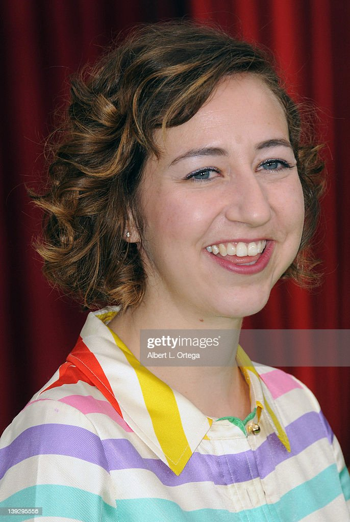 Actress <a gi-track='captionPersonalityLinkClicked' href=/galleries/search?phrase=Kristen+Schaal&family=editorial&specificpeople=2479209 ng-click='$event.stopPropagation()'>Kristen Schaal</a> arrives for 'The Muppets' Los Angeles Premiere held at the El Capitan Theatre on November 12, 2011 in Hollywood, California.
