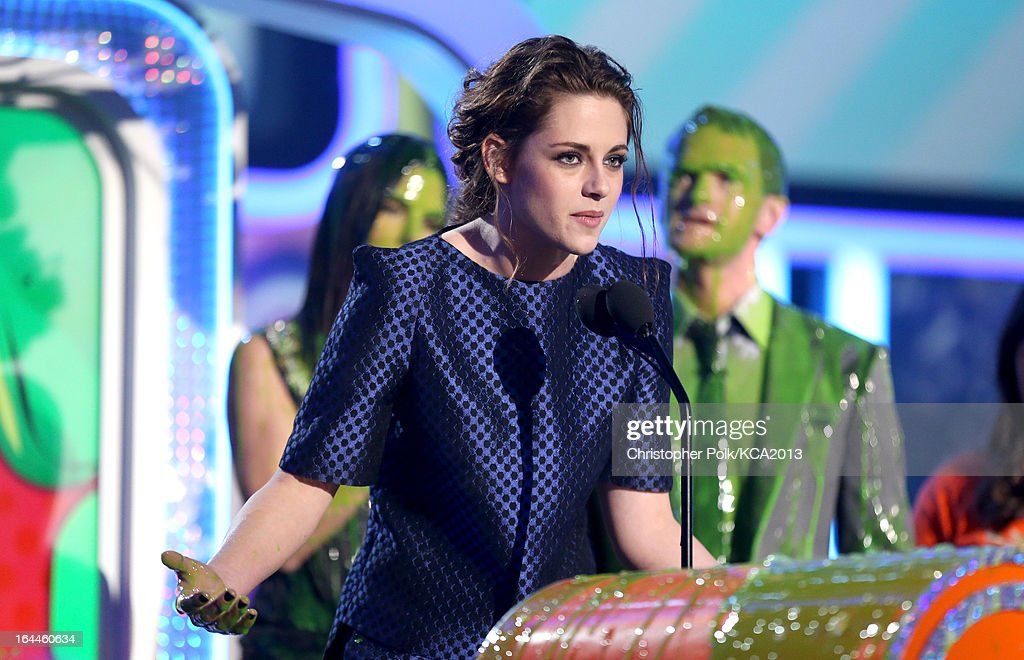 Actress Kristen Stewart accepts the Kids' Choice Award for Favorite Movie Actress onstage during Nickelodeon's 26th Annual Kids' Choice Awards at USC Galen Center on March 23, 2013 in Los Angeles, California.