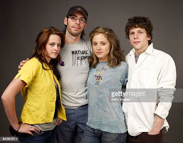 Actress Kristen Stewart actor Martin Starr actress Margarita Levieva and actor Jesse Eisenberg of the film 'Adventureland' poses for a portrait at...