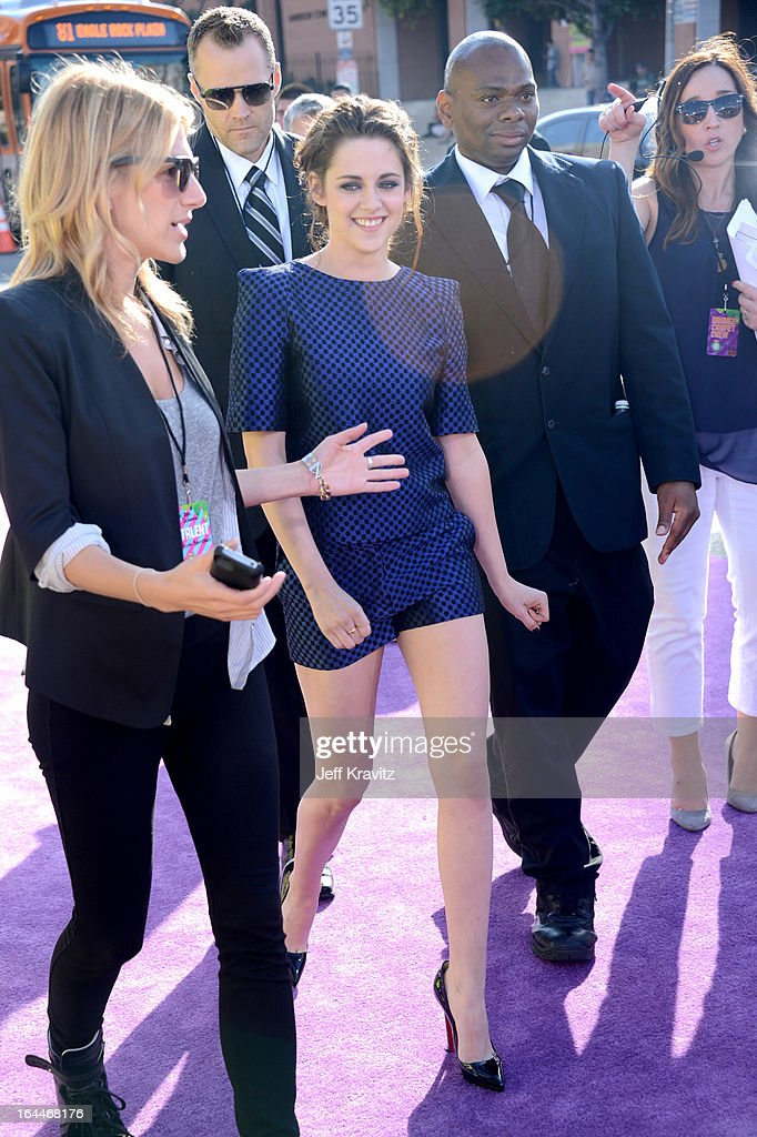 Actress Kristen Stewart arrives at Nickelodeon's 26th Annual Kids' Choice Awards at USC Galen Center on March 23, 2013 in Los Angeles, California.