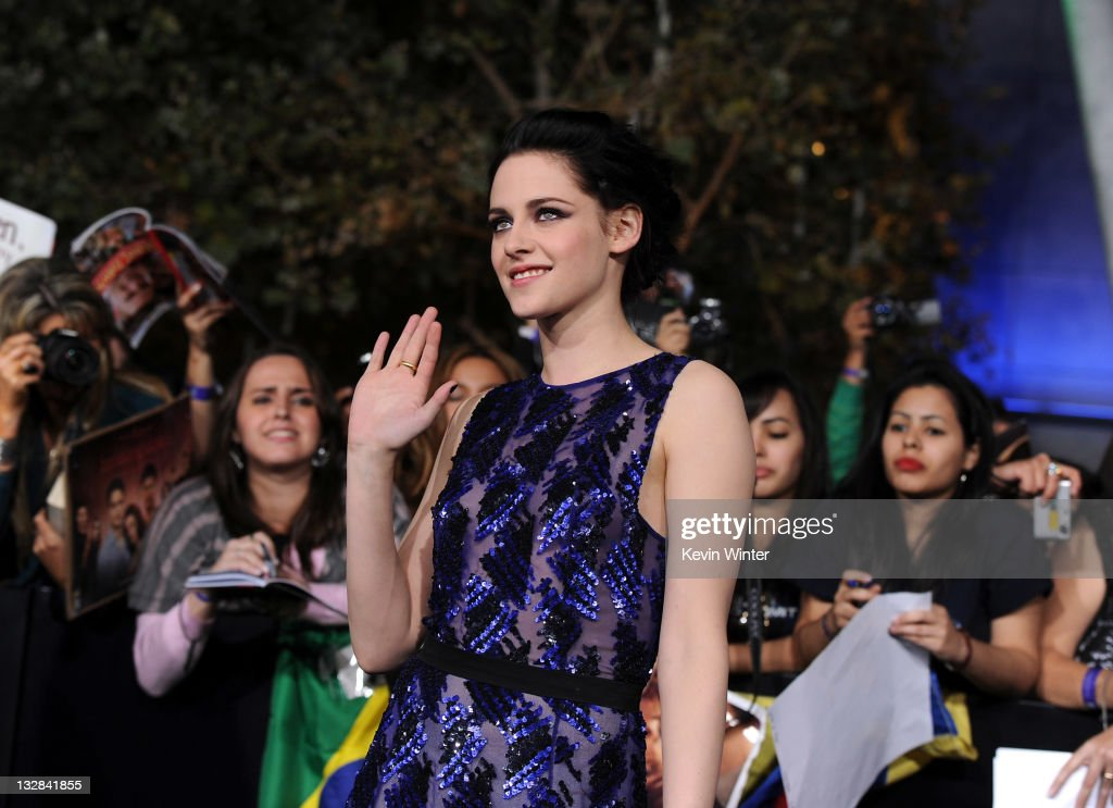 Actress Kristen Stewart arrives at the premiere of Summit Entertainment's 'The Twilight Saga: Breaking Dawn - Part 1' at Nokia Theatre L.A. Live on November 14, 2011 in Los Angeles, California.