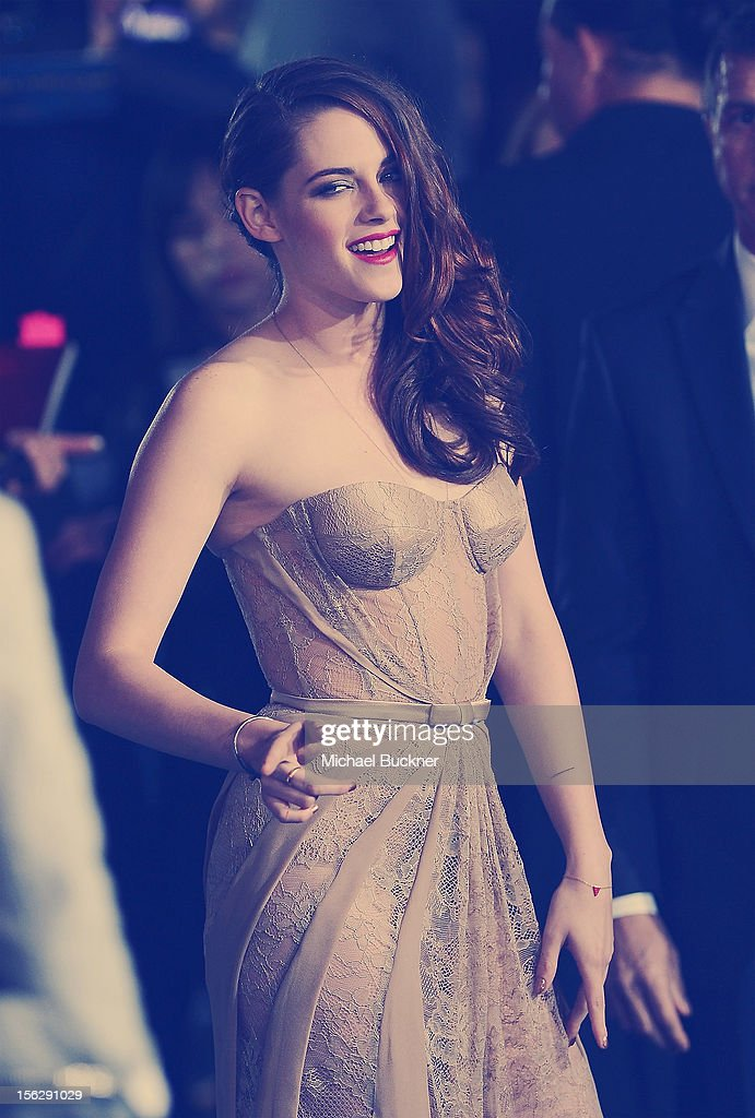 Actress <a gi-track='captionPersonalityLinkClicked' href=/galleries/search?phrase=Kristen+Stewart&family=editorial&specificpeople=2166264 ng-click='$event.stopPropagation()'>Kristen Stewart</a> arrives at the Summit Entertainment's 'The Twilight Saga: Breaking Dawn - Part 2' at Nokia Theatre L.A. Live on November 12, 2012 in Los Angeles, California.