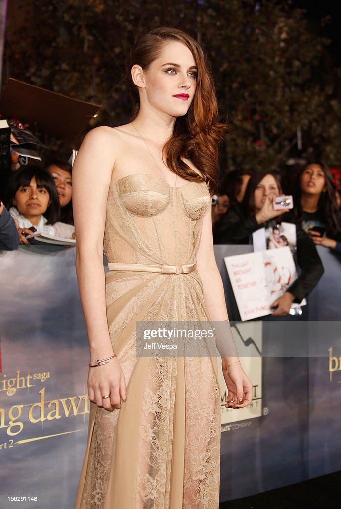 Actress Kristen Stewart arrives at 'The Twilight Saga: Breaking Dawn - Part 2' Los Angeles premiere at Nokia Theatre L.A. Live on November 12, 2012 in Los Angeles, California.