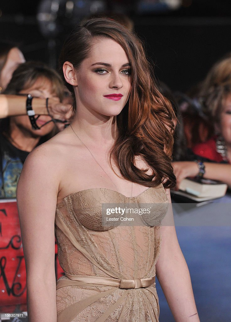 Actress Kristen Stewart arrives at 'The Twilight Saga: Breaking Dawn - Part 2' Los Angeles premiere at the Nokia Theatre L.A. Live on November 12, 2012 in Los Angeles, California.