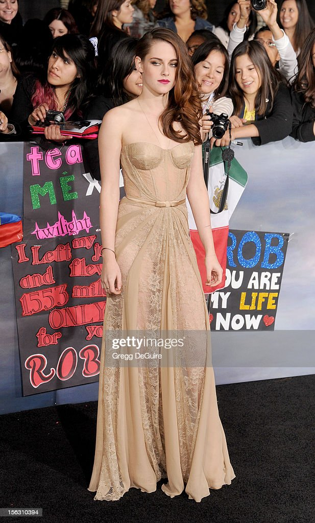 Actress <a gi-track='captionPersonalityLinkClicked' href=/galleries/search?phrase=Kristen+Stewart&family=editorial&specificpeople=2166264 ng-click='$event.stopPropagation()'>Kristen Stewart</a> arrives at 'The Twilight Saga: Breaking Dawn - Part 2' Los Angeles premiere at Nokia Theatre L.A. Live on November 12, 2012 in Los Angeles, California.