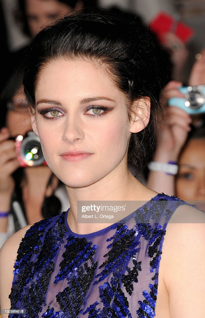 Actress <a gi-track='captionPersonalityLinkClicked' href=/galleries/search?phrase=Kristen+Stewart&family=editorial&specificpeople=2166264 ng-click='$event.stopPropagation()'>Kristen Stewart</a> arrives for Summit Entertainment's 'The Twilight Saga: Breaking Dawn - Part 1' held at Nokia Theatre L.A. Live on November 14, 2011 in Los Angeles, California.