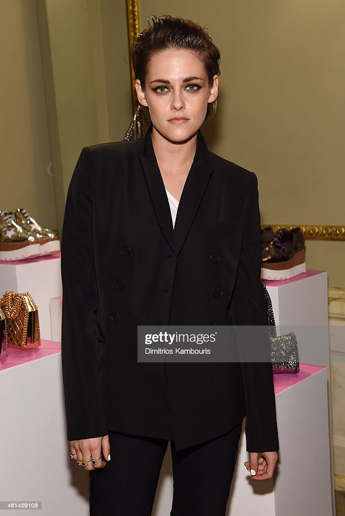 Actress <a gi-track='captionPersonalityLinkClicked' href=/galleries/search?phrase=Kristen+Stewart&family=editorial&specificpeople=2166264 ng-click='$event.stopPropagation()'>Kristen Stewart</a> attends the Stella McCartney Autumn 2015 presentation on January 12, 2015 in New York City.