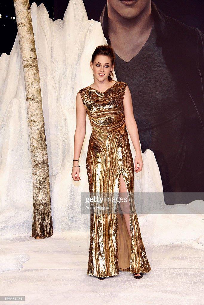 Actress Kristen Stewart attends the 'The Twilight Saga: Breaking Dawn Part 2' Germany premiere at Cinestar on November 16, 2012 in Berlin, Germany.